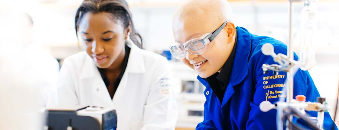 Alyssa Jones (left) and Thanh-Ngoc Le work together in Professor Benjamin Stokes' chemistry lab. Jones graduated in May 2016 with a B.S. in chemistry and is now attending graduate school at UC San Diego. Le is a graduate student.