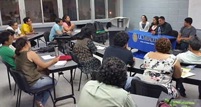 UC Merced graduate students talked with UNAH Sociology students on their first night in Honduras.