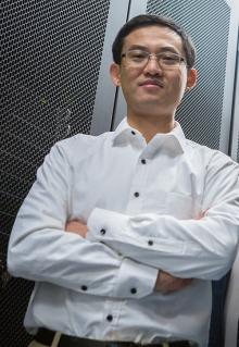 Professor Dong Li
